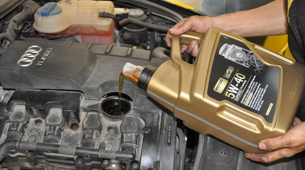 车子里的机油对发动机起到的作用 韶关 进口润滑油品牌价格便宜